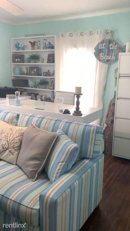 2713 Avenue C, Holmes Beach, FL, USA, Holmes Beach, FL - $1,900
