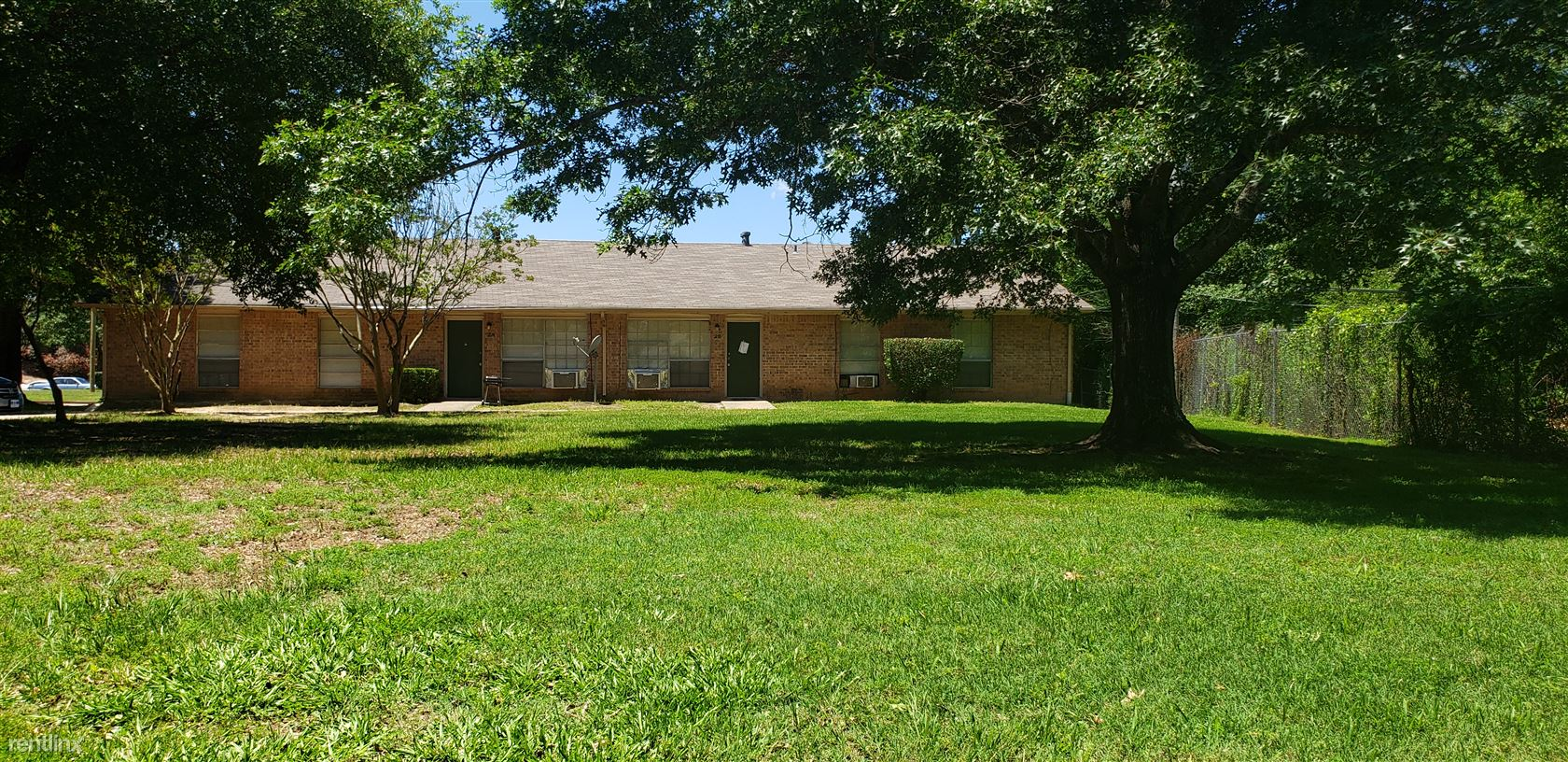 607 S Pecan, Hughes Springs, TX - $520 USD/ month