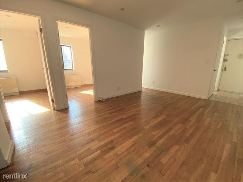 370 W 30th St 9E, New York, NY - $3,100