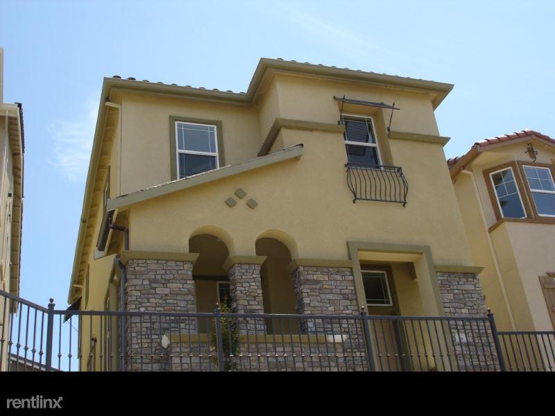 438 Alvarez Cmn, Milpitas, CA - $3,800