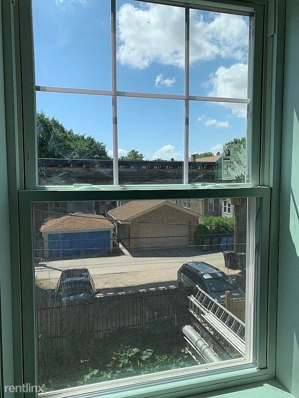 2623 West Cullerton Street - 1100USD / month