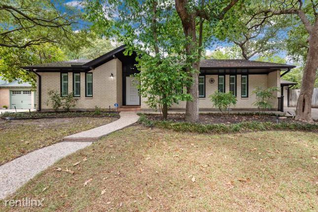 402 Shadywood Circle, Conroe, TX - $1,970