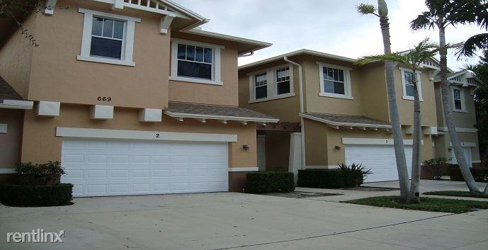 809 Marina del Ray Ln, West Palm Beach, FL - $2,400
