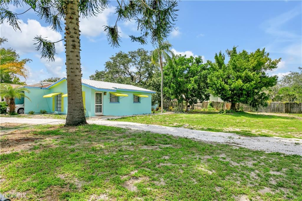 1166 Sunset Point Rd, Clearwater, FL - $1,750