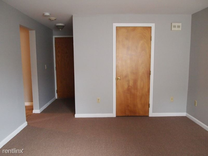 200 Vincent Ave, North Providence, RI - $1,195