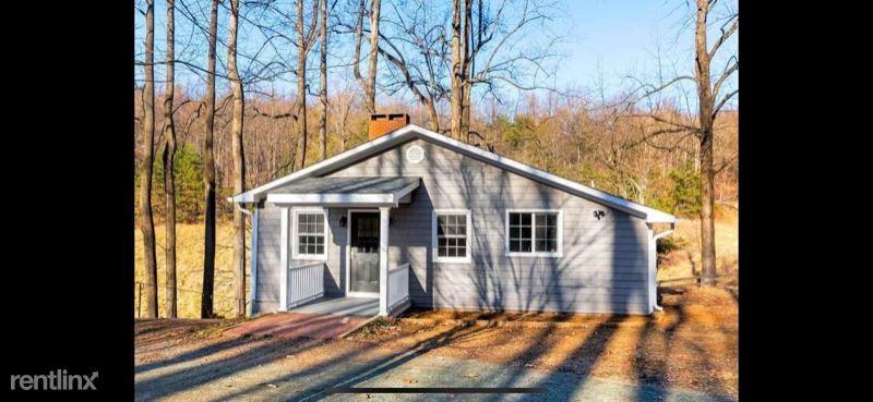 2002 Stonemont Farm Lane B, Keswick, VA - $1,050