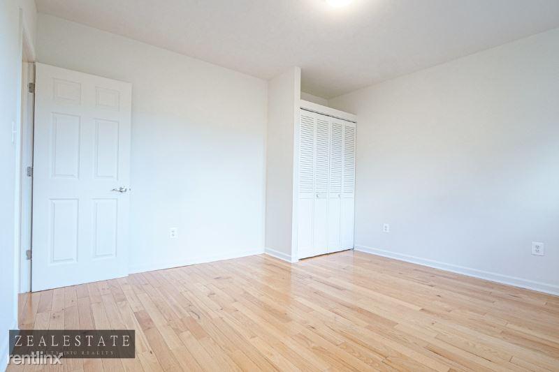 299 Adelphi Street, Brooklyn, NY - $2,399