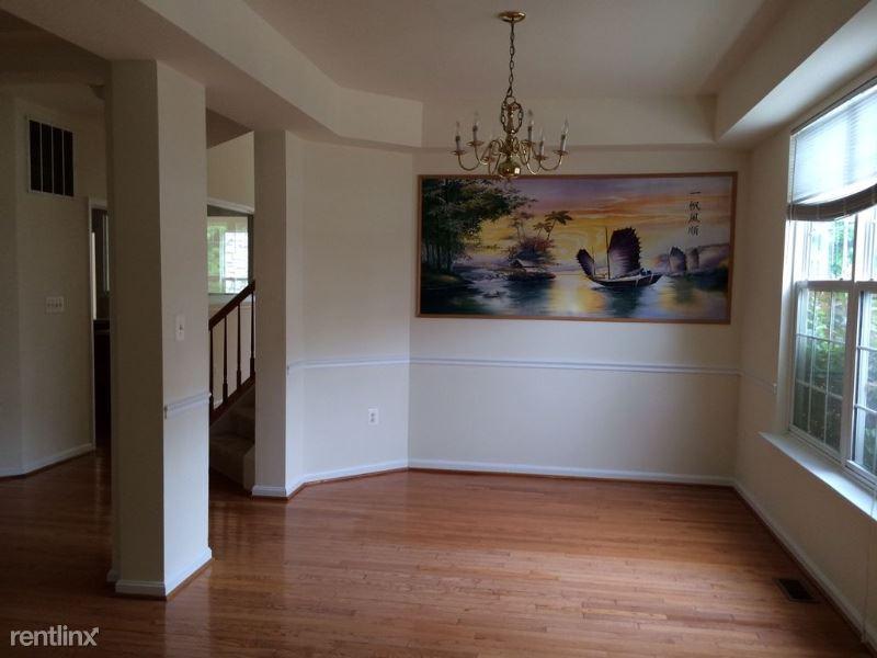 9025 Harrover Pl, Lorton, VA - $3,200