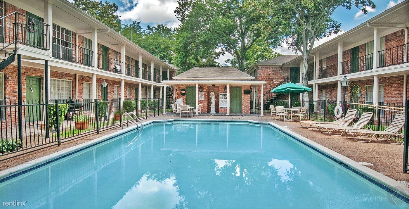 Braeswood 801, Houston, TX - $572 USD/ month