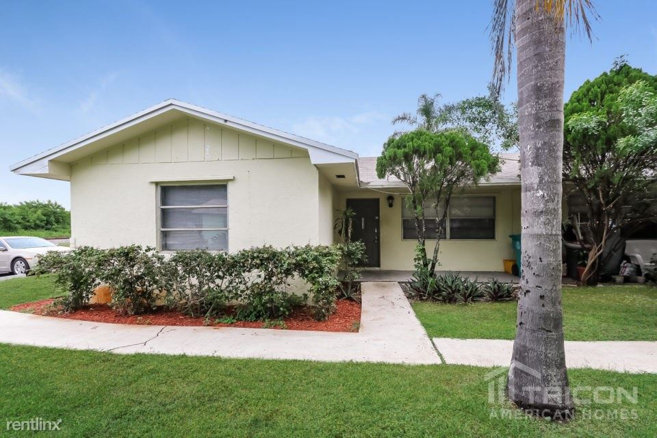 2513 SE 2nd Street, Boynton Beach, FL - $1,375