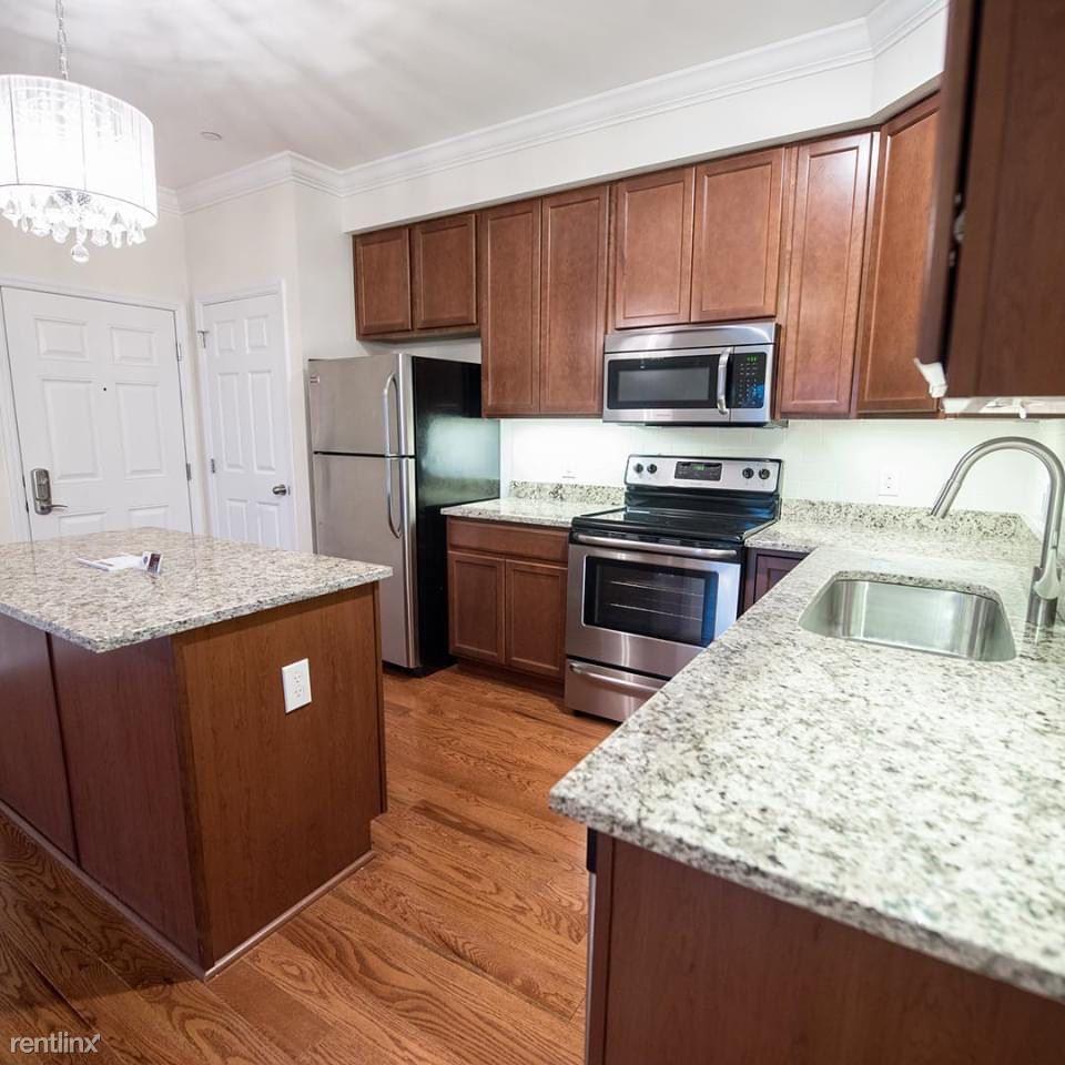 Burling Ln, New Rochelle, NY - $3,000
