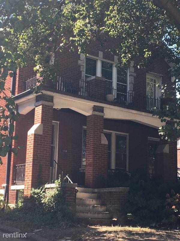 7240 Forsyth, Saint Louis, MO - $2,800