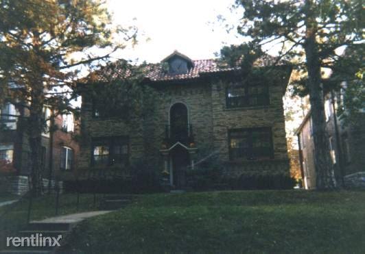 7212 Forsyth, Saint Louis, MO - $2,495