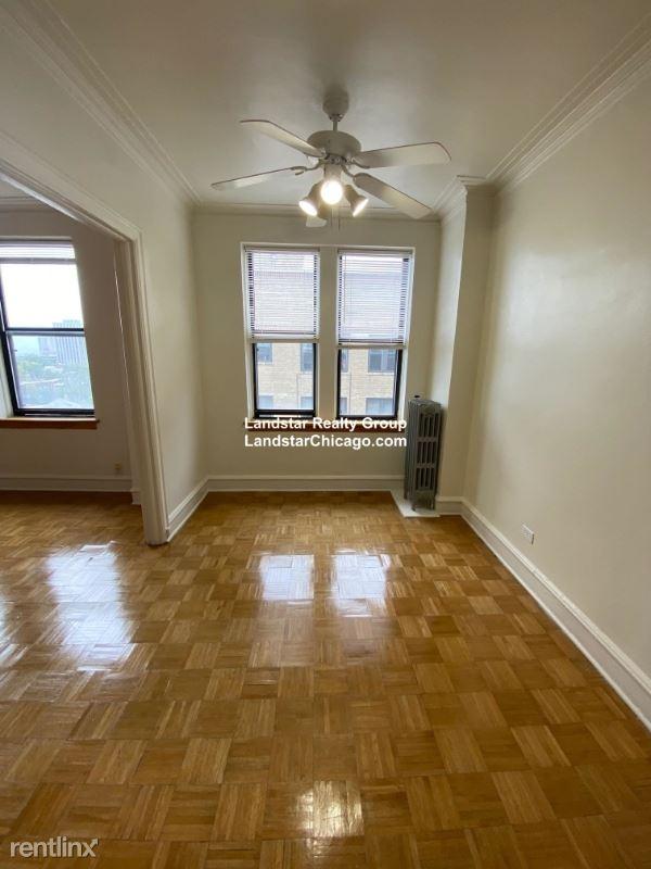 1263 W Pratt Ave, Chicago, IL - $900