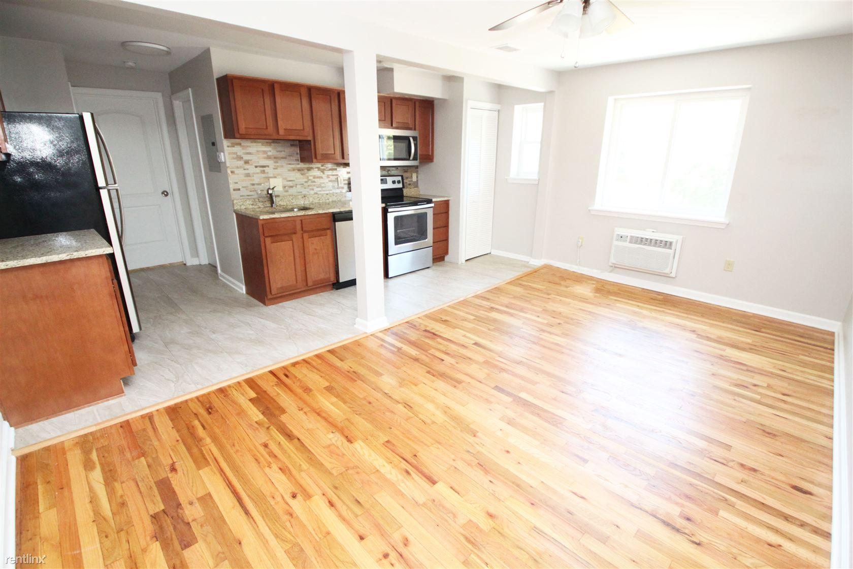 50 Sumner Ave, Bellevue, PA - $849 USD/ month