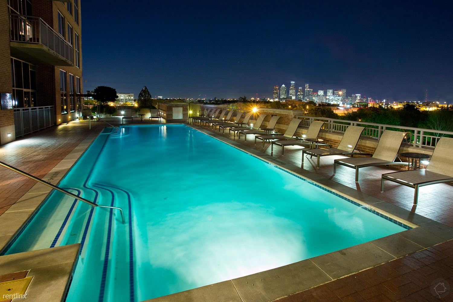 Bellaire & Medical Center 745 - 2792USD / month