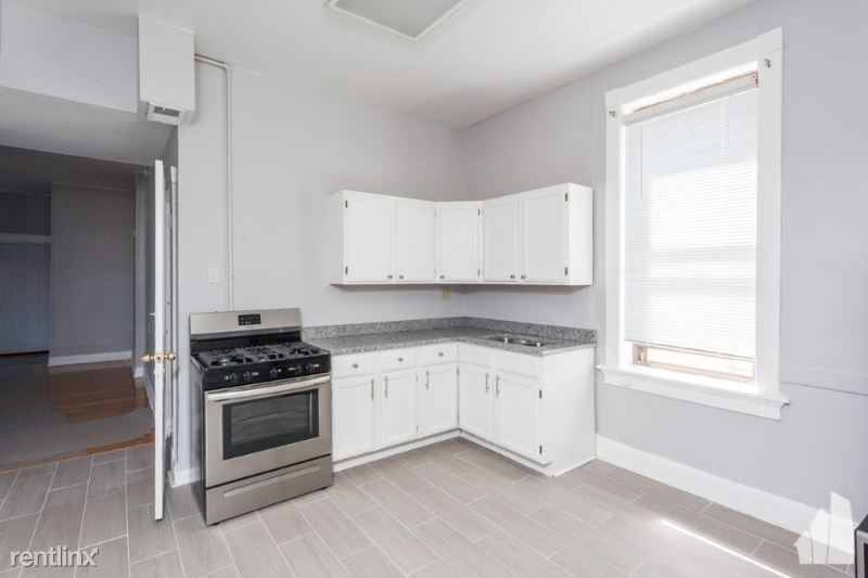 1612 N Cleveland Ave 2R, Chicago, IL - $1,765