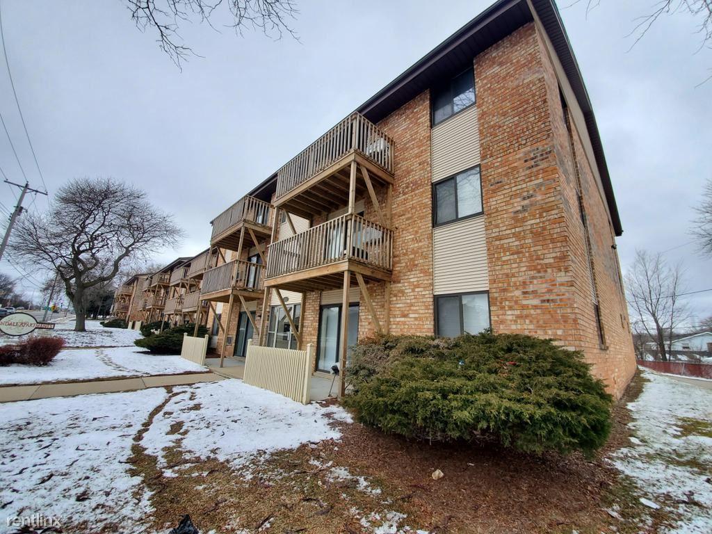 3810 W Loomis Rd Unit 208, Greenfield, WI - $800