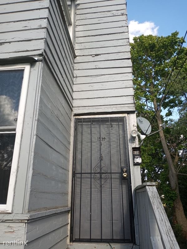 1532 Woodland Ave NW 4, Canton, OH - $700