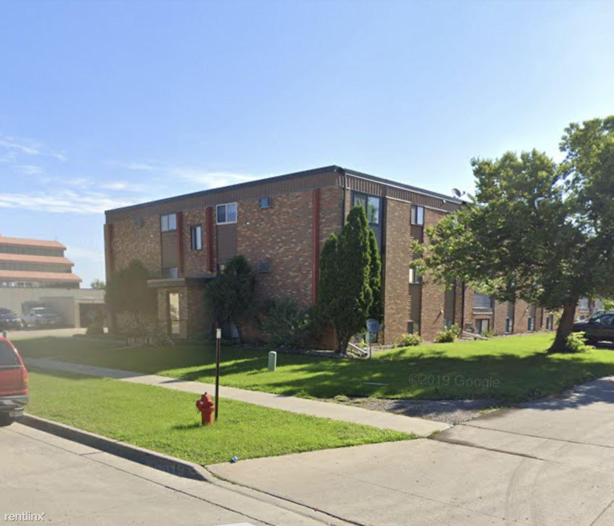 1372 32nd St S, Fargo, ND - 625 USD/ month