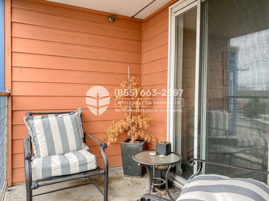 500 Elliott Ave West Unit 405, Seattle, WA - $2,395