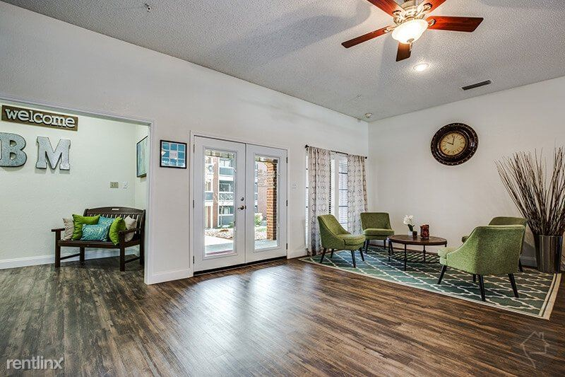7905 Marvin D Love Fwy, Dallas, TX - $724 USD/ month