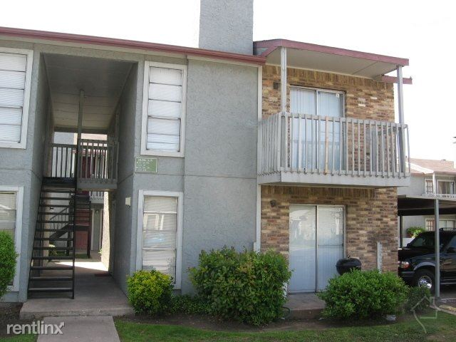 3208 Community Dr, Dallas, TX - $475 USD/ month