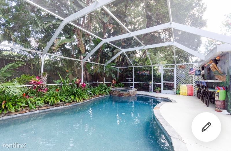 302 Lagoon Dr, Palm Harbor, FL - $2,100