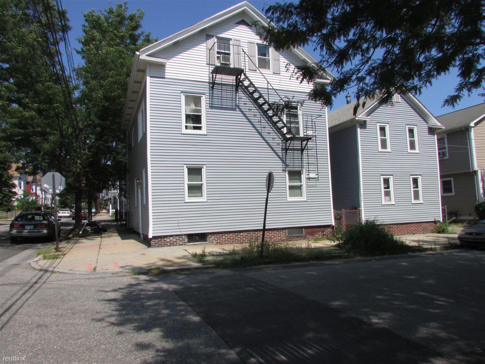 199 Ives St, Providence, RI - $1,350