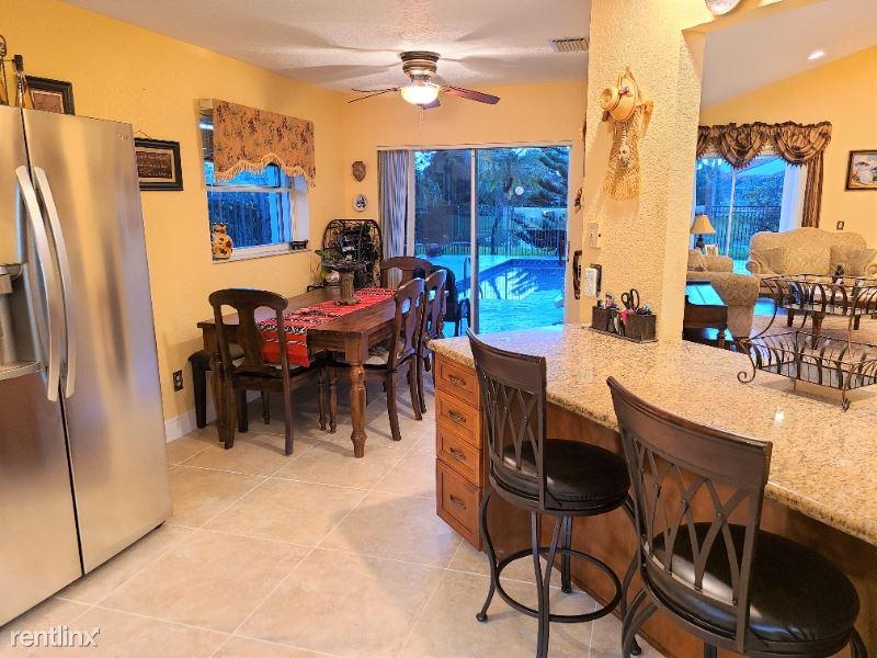 6930 NW 3rd Ave, Boca Raton, FL - $3,500