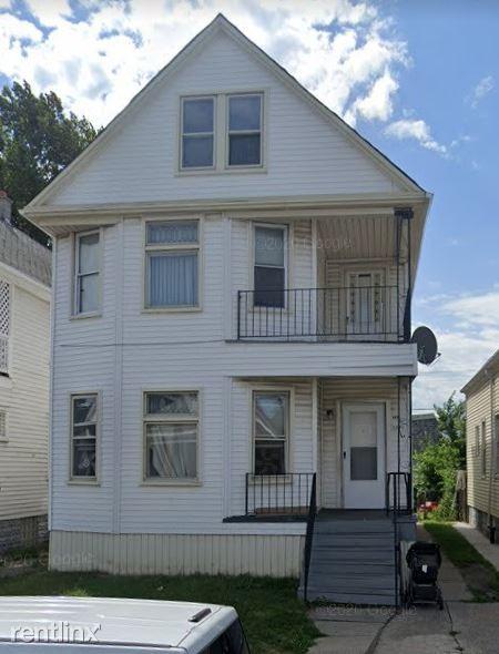 3876 Evaline St, Hamtramck, MI - $700