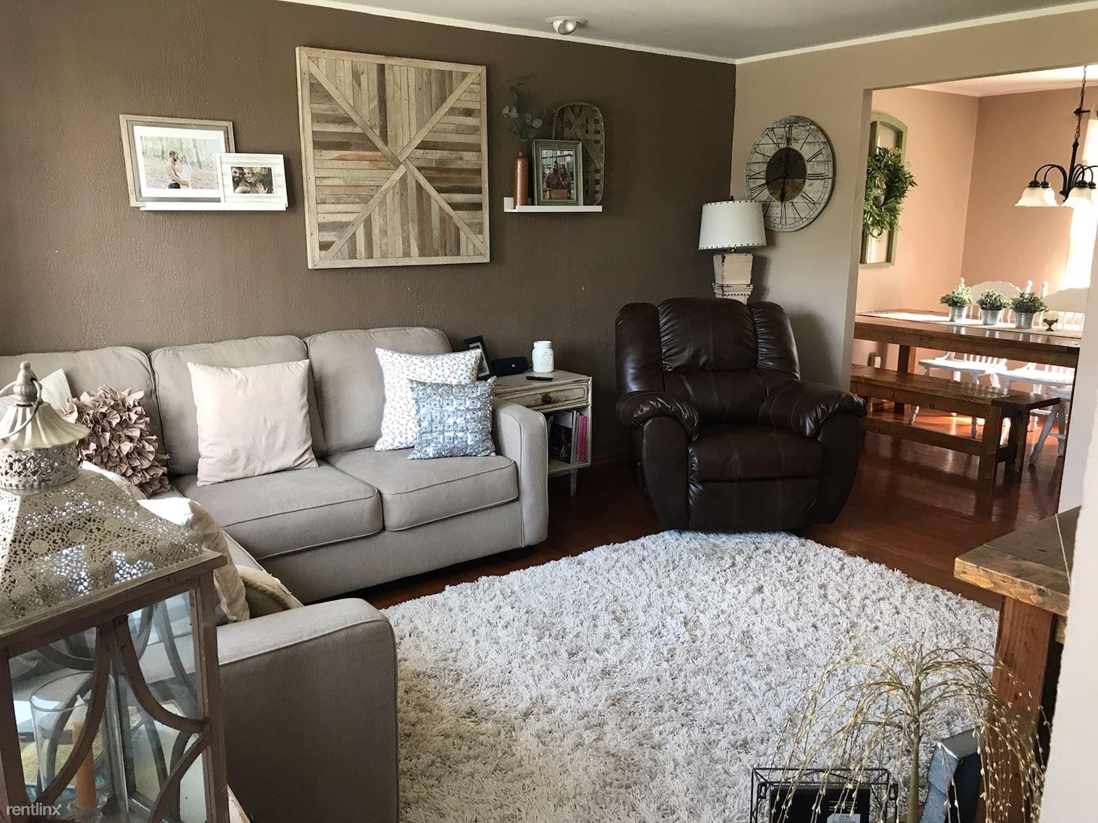 863 Lindsay Rd, Carnegie, PA - $1,400