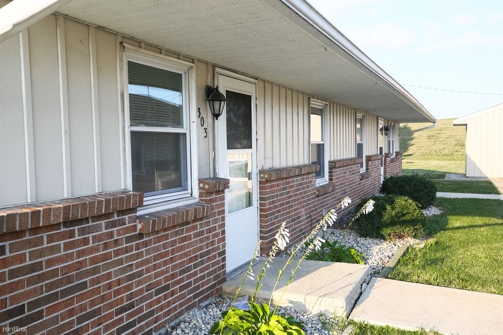 1104 Russell St, Decatur, IN - 591 USD/ month