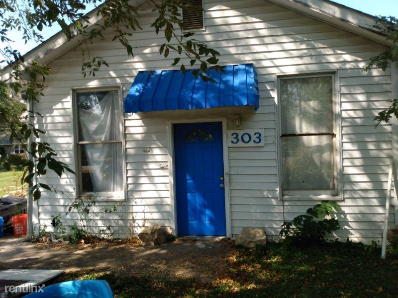 303 Barr St., Centralia, MO - $399