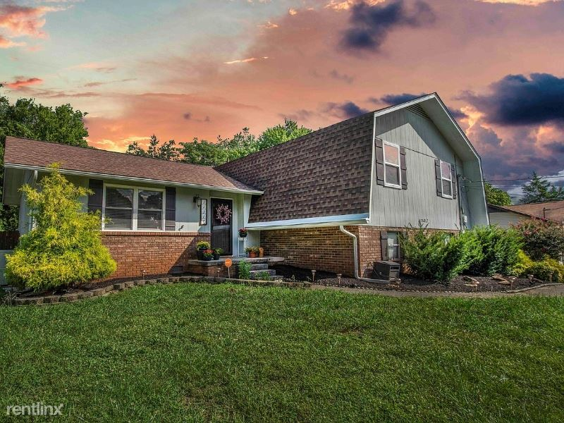 11317 Silver Springs Dr, Knoxville, TN - $2,250