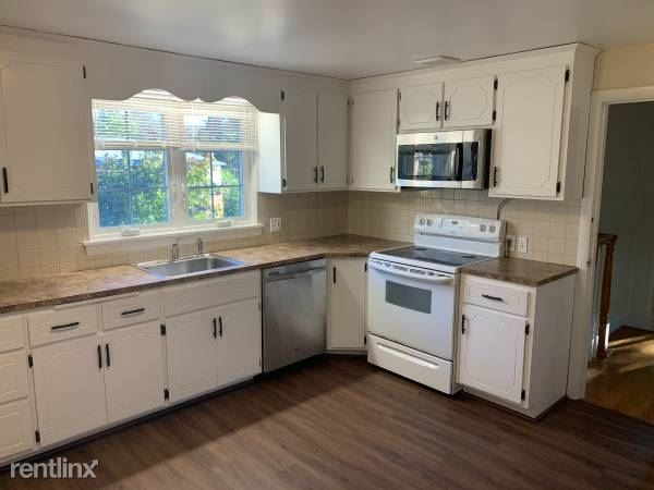 71 Louise Rd 2, Chestnut Hill, MA - $3,500
