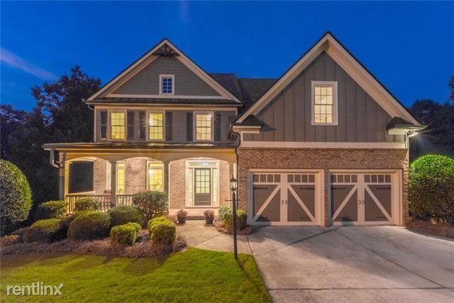 587 Richmond Place, Loganville, GA - $2,560