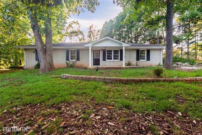 241 Terry Lane Nw, Lilburn, GA - $1,640