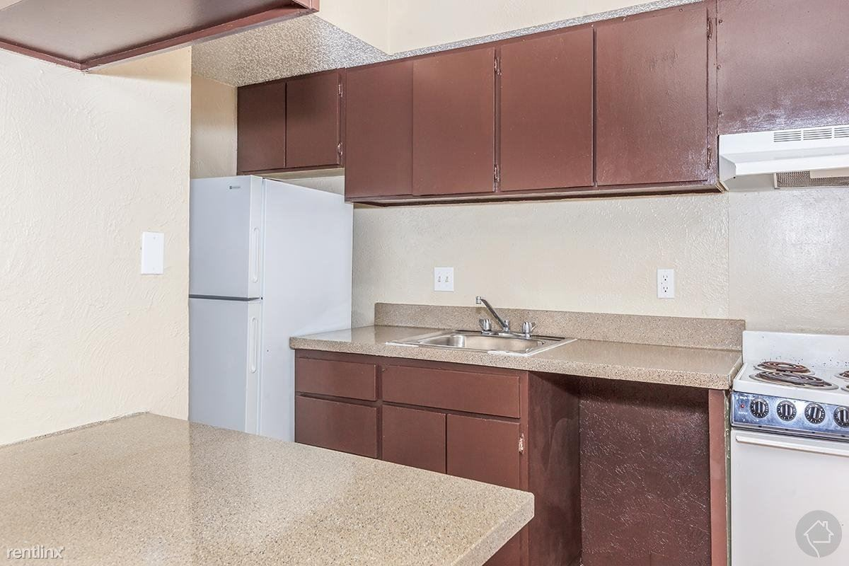 8336 Park Ln, Dallas, TX - $605 USD/ month