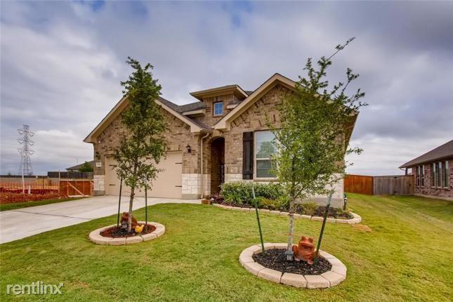 5104 Arrow Rdg, Marion, TX - $2,450