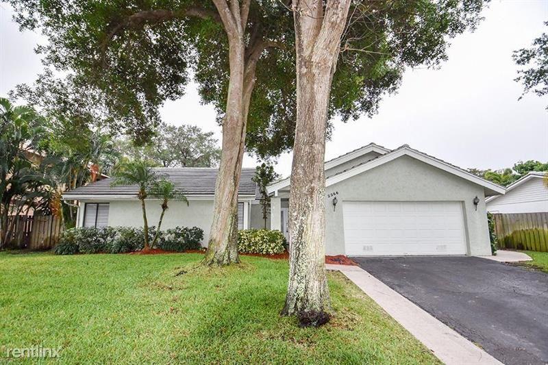 2366 NW 30th St, Boca Raton, FL - $2,975