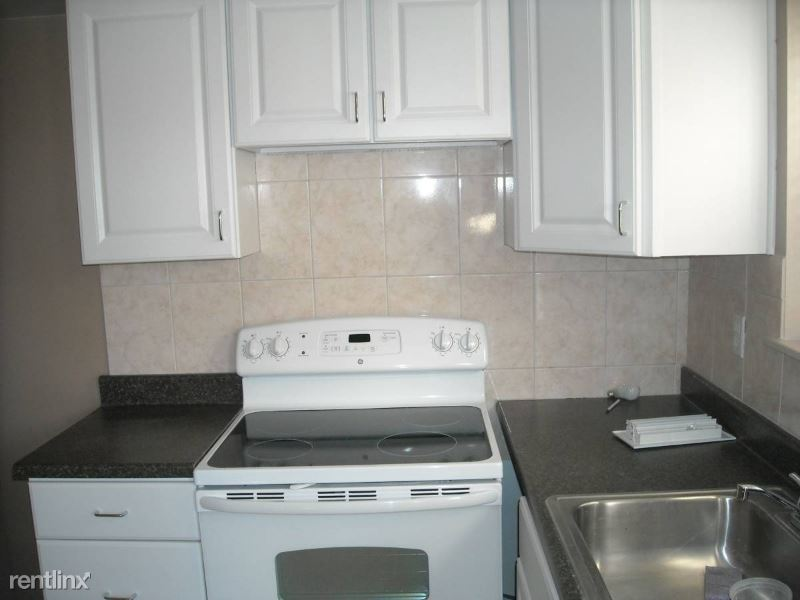 61 Furness Pl, Staten Island, NY - $1,300 USD/ month