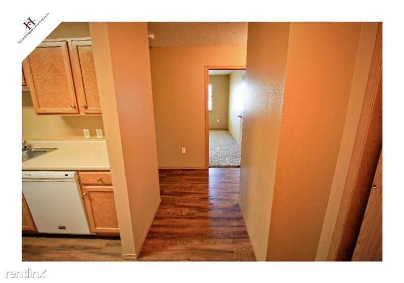 3225 S Sycamore Ave 208, Sioux Falls, SD - $850