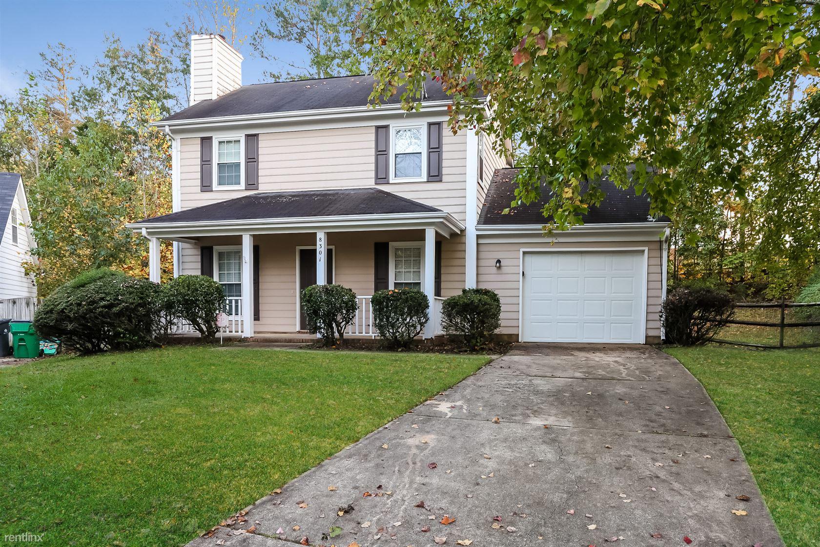8301 Bedford Green Ln, Charlotte, NC - $1,449