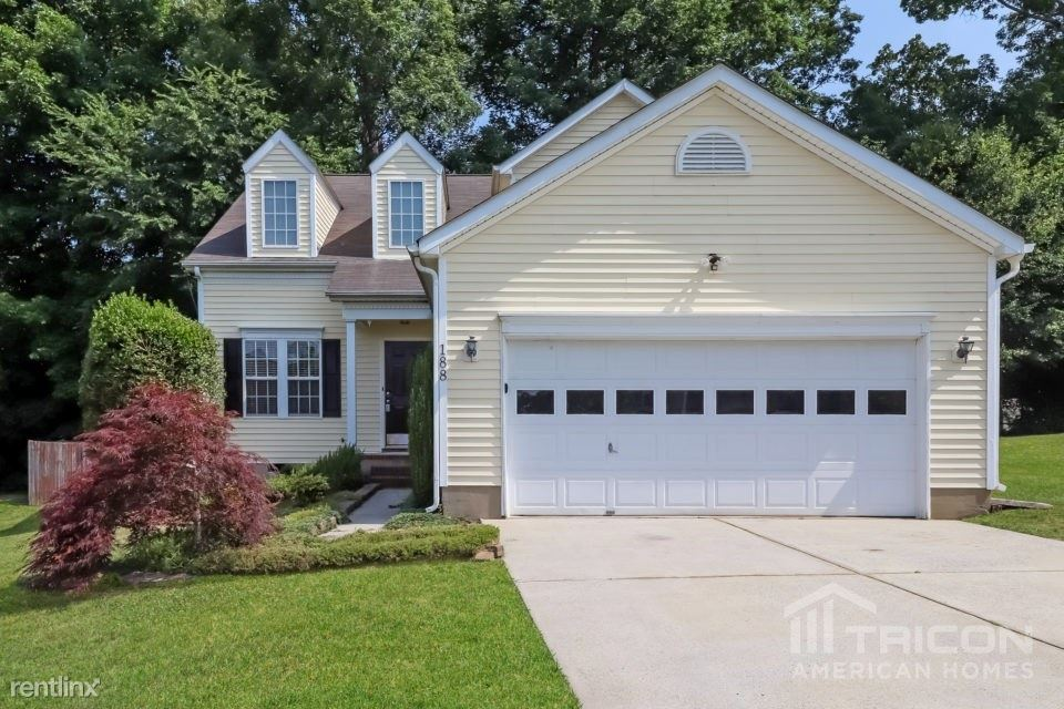 188 Brookstone Drive, Mount Holly, NC - $1,698