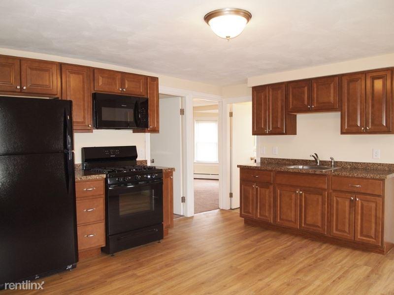 28 Clemence St, Cranston, RI - $1,195
