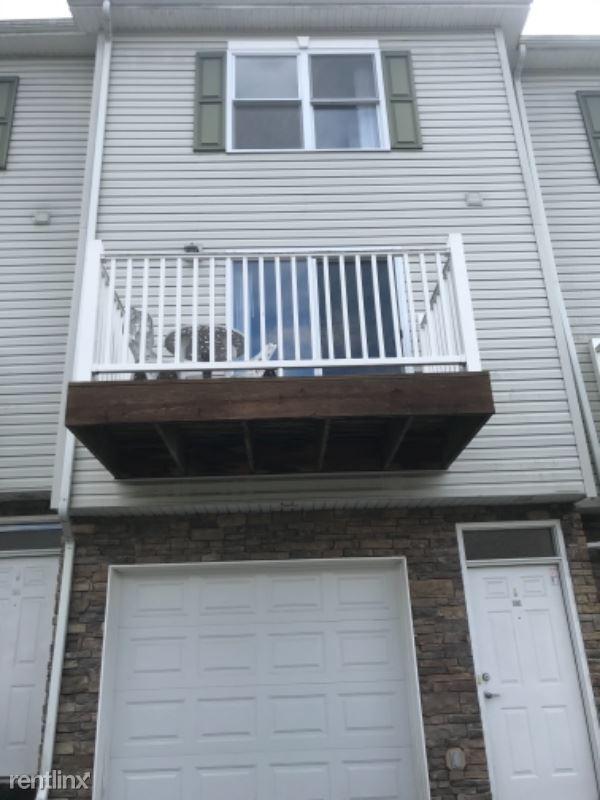 Suncrest Ter 202, Morgantown, WV - $1,300