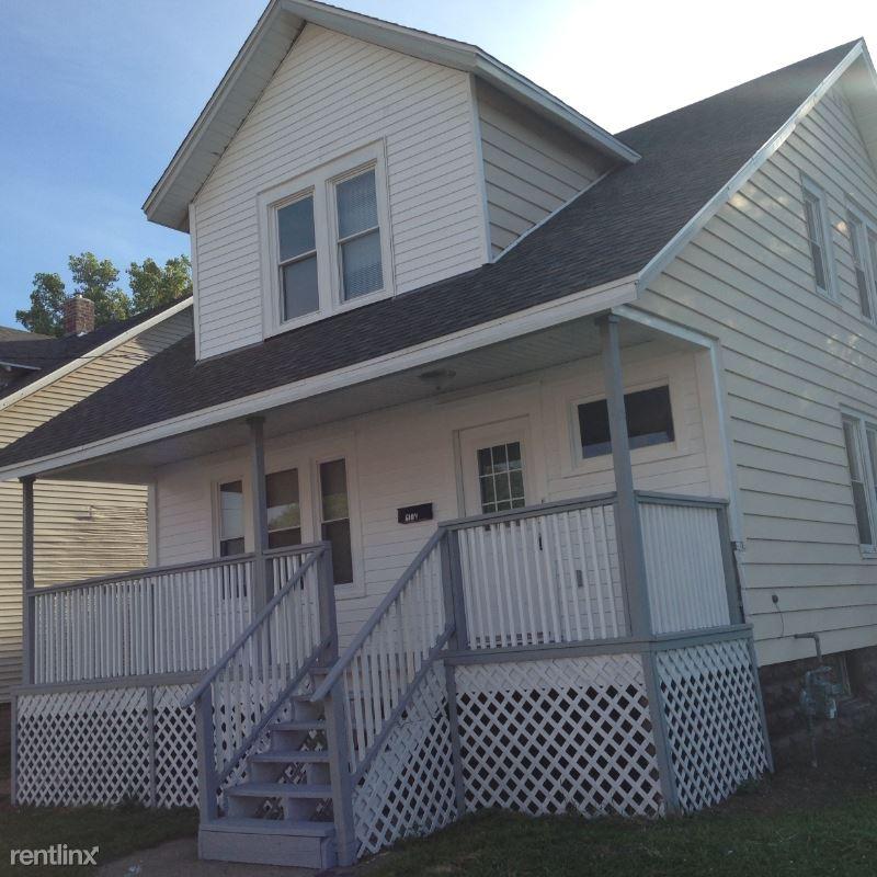 6104 30th Ave, Kenosha, WI - $1,350