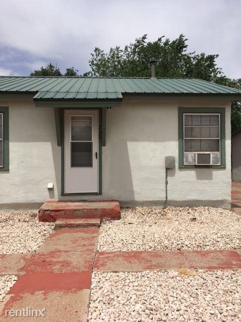 208 W 9th St, Portales, NM - $465