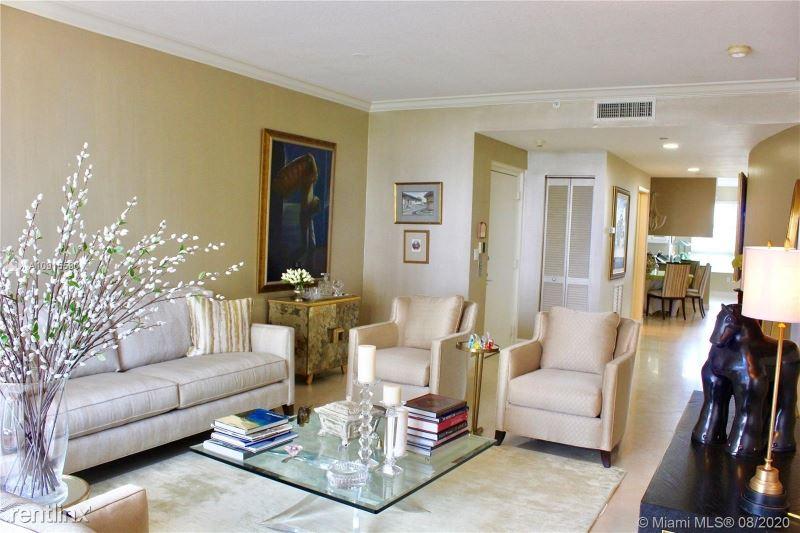 717 Crandon Blvd, Key Biscayne, FL - $6,000